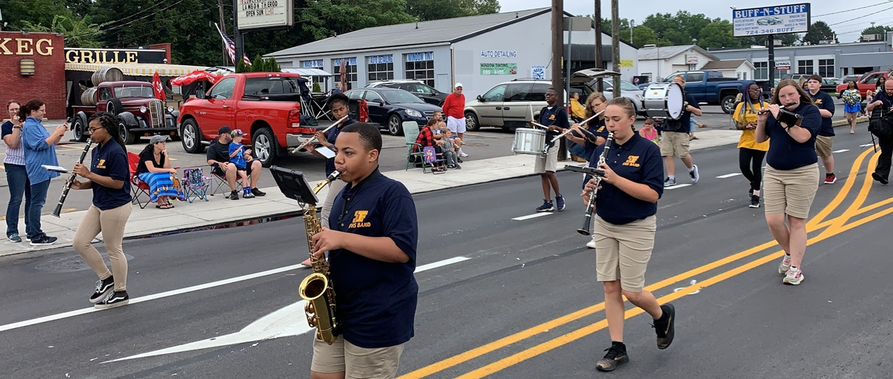 Farrell High School Marching Band at the Buhl Day Parade